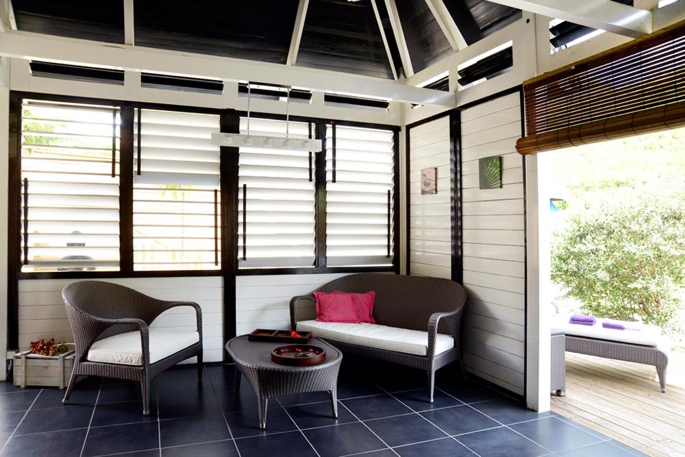 coin-salon-location-villa-maracudja-martinique-domaine-de-la-palmeraie