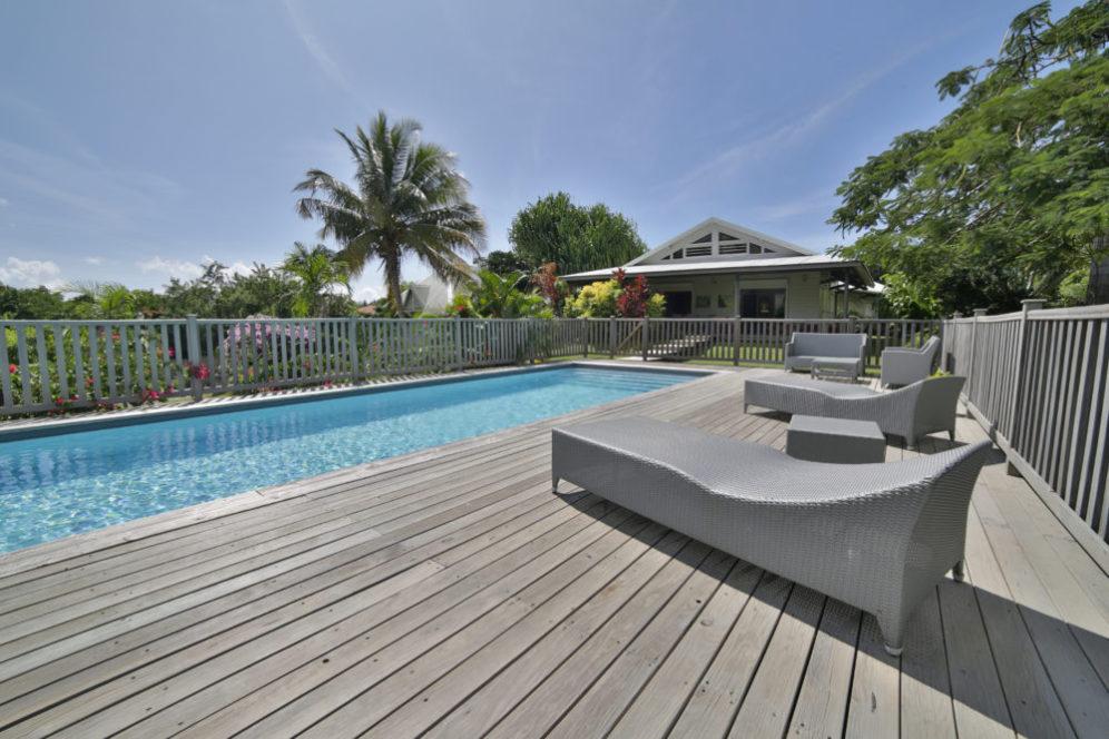 piscine-location-villa-papaye-martinique-domaine-de-la-palmeraie-copie