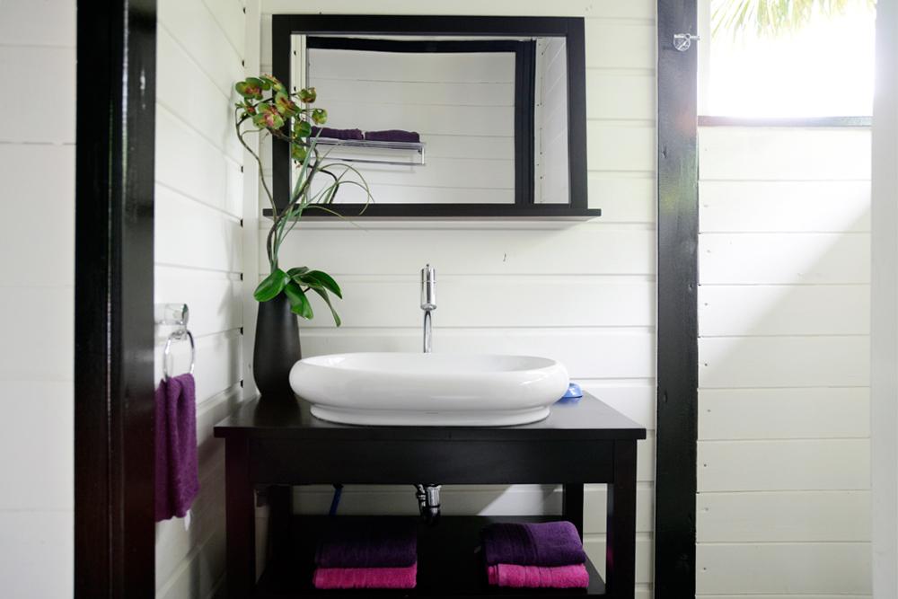 salle-de-bain-location-villa-coco-martinique-domaine-de-la-palmeraie